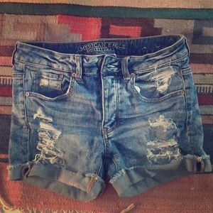 American Eagle Tomgirl shorts